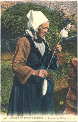 שתי נשים טוות חוטי צמר