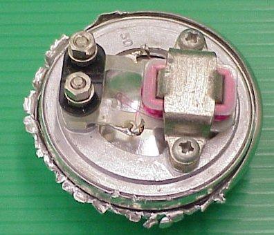 האלקטרומגנט בתוך האוזנייה של שפופרת הטלפון