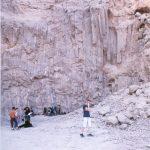 תלמידים בעבודה במחצבת המלח בהר סדום